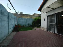 Foto thumbnail Casa en Alquiler en  Jose Marmol,  Almirante Brown  Saenz Peña al 900