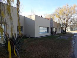 Foto Casa en Venta en  Capital ,  Neuquen  COSTA AZUL
