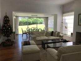 Foto Casa en Venta en  Lomas de la Carolina,  Cordoba Capital  CASA 4 DORM EN VENTA LOMAS DE LA CAROLINA
