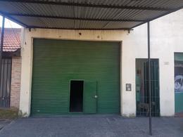 Foto Local en Alquiler en  Lanús Este,  Lanús  Av. Bustamante al 1800