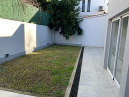 Foto Casa en Venta en  B.Ayerza,  Castelar  Nicolas de Arredondo al 2000