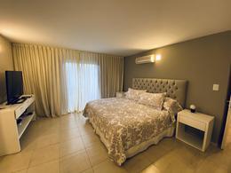 Foto Casa en Venta en  Estancia Q2,  Mendiolaza  Casa - Estancia Q2 - Mendiolaza - 4 dorm - Pileta y Patio