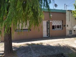 Foto Casa en Venta en  Merlo ,  G.B.A. Zona Oeste  Benavente al 2900