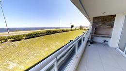 Foto Departamento en Venta en  Pinares,  Punta del Este  Espectacular Apartamento en Extraordinaria Ubicación en Punta del Este a Metros del Mar