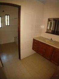 Foto Casa en Venta en  Lanús Oeste,  Lanús  Florencio Varela 759