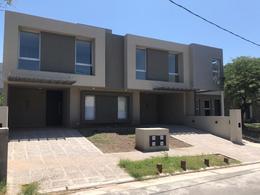 Foto Casa en Alquiler en  Miradores de Manantiales,  Cordoba Capital  Miradores de Manantiales 2   ALQUILER OPCIÓN B   Manzana 109   Lote 25