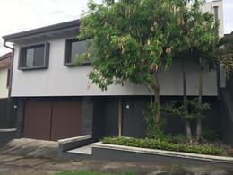 Foto Casa en condominio en Renta en  Bello Horizonte,  Escazu  Casa en Bellohorizonte / Una planta con muebles / Pet friendly
