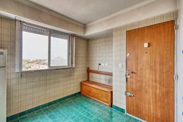 Foto Departamento en Venta en  La Lucila,  Vicente Lopez   Importante piso todo vista abierta|       Rioja al 3800