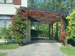 Foto Casa en Venta en  Santa Catalina,  Villanueva  Boulevard de todos los Santos al 5600
