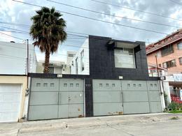 Foto Casa en Venta en  Fraccionamiento Jardines del Moral,  León  CASA EN VENTA PARA OFICINAS,  NEGOCIO O CASA HABITACION