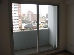 Foto Departamento en Venta en  Abasto,  Rosario  Italia al 2000