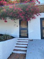 Foto Casa en Venta en  Bello Horizonte,  Escazu  Bello Horizonte / independiente / 1050 m2 de terreno / jardín y terrazas amplios