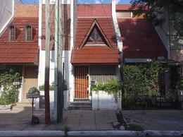 Foto Casa en Venta en  Valentin Alsina,  Lanús  PASO DE LA PATRIA 500