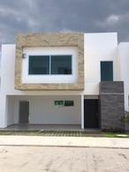 Foto Casa en Venta en  Fraccionamiento Sol Campestre,  Villahermosa  Real Campestre Villahermosa Cluster 8 Modelo Esmeralda