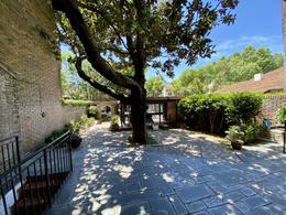 Foto Casa en Venta en  Martinez,  San Isidro  Remedios de Escalada al 2300