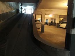 Foto Cochera en Venta en  Microcentro,  La Plata  Calle 13 y 46