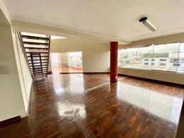 Foto Departamento en Alquiler en  Miraflores,  Lima  La Aurora