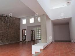 Foto Casa en Venta en  Delicias,  Cuernavaca  VENTA CASA ILUMINADA Y AMPLIOS JARDINES EN CUERNAVACA - V15