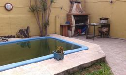 Foto Casa en Venta en  Moron Sur,  Moron  Juan Martin Pueyrredon  al 400