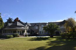 Foto Casa en Venta en  San Diego C.C,  Countries/B.Cerrado (Moreno)  Destacada Propiedad con Inmejorable Vista a Polo