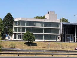 Foto Edificio Comercial en Alquiler en  Ituzaingó,  Ituzaingó  ALQUILER LOCAL SOBRE ACCESO OESTE