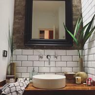 Foto PH en Venta en  Martinez,  San Isidro  Moderna casa con detalles y calidad constructiva -Albarellos al 1500