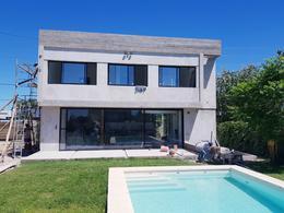 Foto Casa en Venta en  Manuel B Gonnet,  La Plata  132 esquina 490 - Gonnet