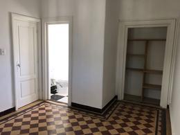 Foto Oficina en Alquiler en  Carrasco ,  Montevideo  Centro Carrasco, luminosa
