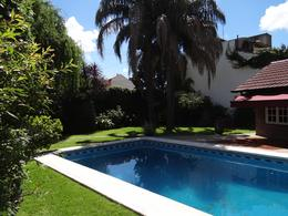 Foto Casa en Venta en  Lomas de Zamora Este,  Lomas De Zamora  Alberti  entre Av. Alsina y las Vias