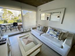 Foto Departamento en Venta en  Punta del Este ,  Maldonado  Apartamento en venta 2 dormitorios 2 baños a metros de  Playa Brava, Punta del Este