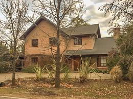 Foto Casa en Venta | Alquiler en  Los Berros,  Bella Vista  Los Berros