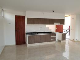 Foto Casa en Venta en  San Miguel De Tucumán,  Capital  Dúplex Alt. Av. América y Venezuela.Entrega Inmediata y Financiado!