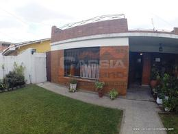 Foto Casa en Venta en  Remedios De Escalada,  Lanus  DE LA PEÑA 3761
