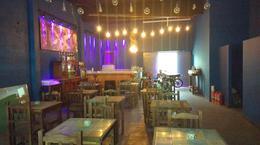 Foto Local en Alquiler en  Lanús Oeste,  Lanús  J. D. Peron 2200