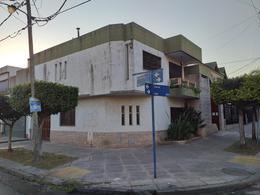 Foto Casa en Venta en  Ramos Mejia Sur,  Ramos Mejia  CATRIEL al 1800