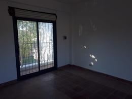 Foto Casa en Venta en  Villa De Mayo,  Malvinas Argentinas  Pellegrini al 3200