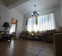 Foto Casa en Venta en  Ituzaingó Norte,  Ituzaingó  Medina  1700