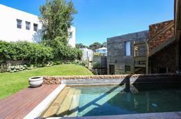Foto Casa en Venta en  Montoya,  La Barra  Espectacular Residencia en Montoya a 100 metros del mar