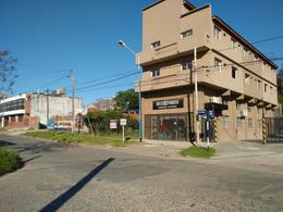 Foto Terreno en Venta en  Esc.-Centro,  Belen De Escobar  Av. 25 De Mayo, entre Belgrano y San Lorenzo
