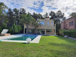 Foto Casa en Venta | Alquiler | Alquiler temporario en  El Lauquen,  Countries/B.Cerrado (E. Echeverría)  Alquiler Temporario/Alquiler Anual - Casa en El Lauquen