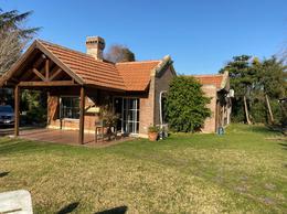 Foto Casa en Venta en  Campos De Echeverria,  Countries/B.Cerrado (E. Echeverría)  Boulevard Dupuy al 4800