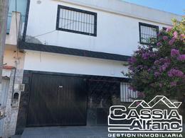 Foto Casa en Venta en  San Jose,  Lomas De Zamora  BOLIVAR 4697