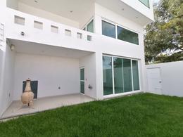 Foto Casa en Renta en  Lomas de Gran Jardín,  León  Casa AMUEBLADA en RENTA en Gran Jardín 4 recámaras, moderna, amplios espacios, y más!!!
