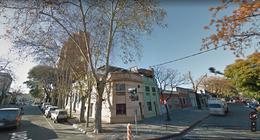 Foto Terreno en Venta en  Tres Cruces ,  Montevideo  Terreno con salida a dos calles.