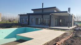 Foto Casa en Venta en  Funes ,  Santa Fe  Haras de Funes - 4 dormitorios