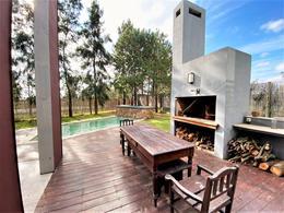 Foto Casa en Alquiler en  Carrasco Norte ,  Montevideo  Barrio Los Olivos