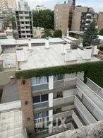 Venta departamento un dormitorio al frente con balcón y cochera - Centro