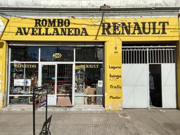 Foto Local en Venta en  Avellaneda ,  G.B.A. Zona Sur  Av. Cabildo al 200