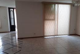 Foto Casa en Venta en  Valle Dorado,  Naucalpan de Juárez  Caracas,  Valle Dorado