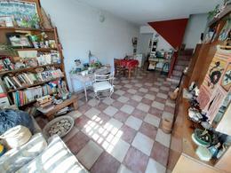 Foto PH en Venta en  Moron Sur,  Moron  Castelli al 300